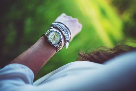 arm-woman-hand-girl-2